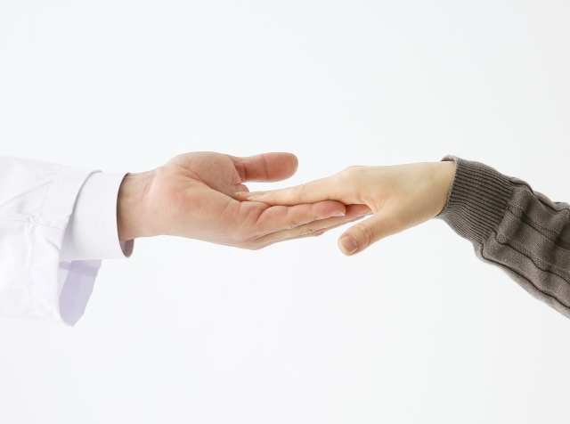 救急認定薬剤師という選択肢について、その仕事内容や給料、また目指し方などを分かりやすく説明