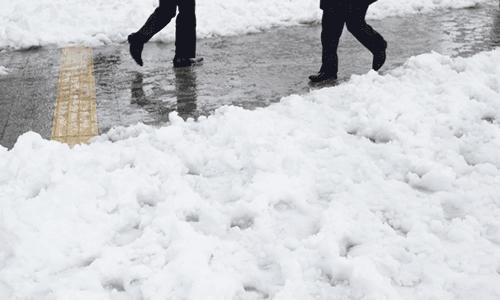 大雪の時、定時出勤する必要ってあるの?会社最優先の考え方に疑問を持とう!